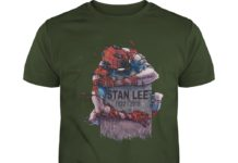 Spider-Man hug Stan Lee's grave 1922-2018 shirt