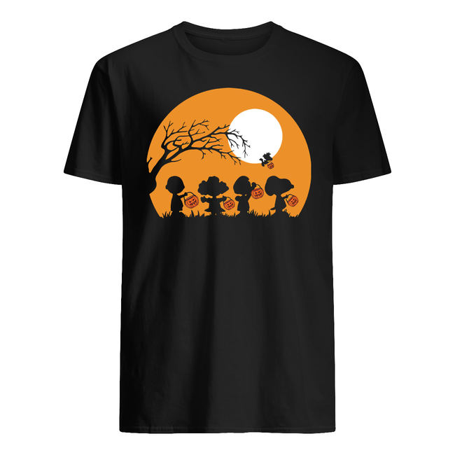 Halloween moon snoopy hold pumpkin with woodstock shirt