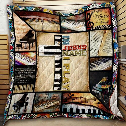 In jesus name I play piano quilt